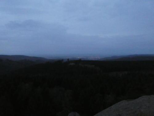 Abendlicher Blick nach Wernigerode vom Ottofelsen