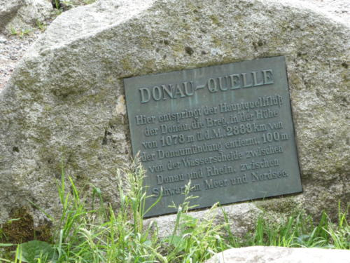 Infostein zur Bregquelle / Donauquelle