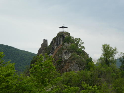 Blick auf Burg Are